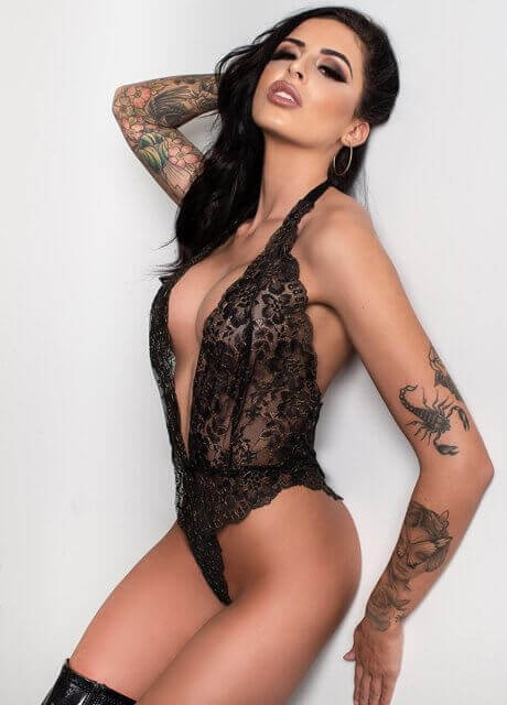 zoe melbourne waitress topless4