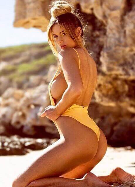 delilah daniels topless waitress perth3