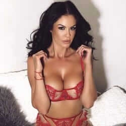 bella melbourne waitress topless