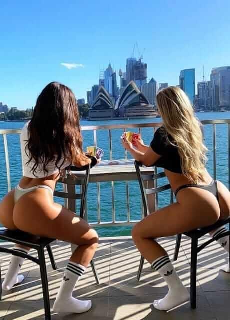 girls in sydney harbour